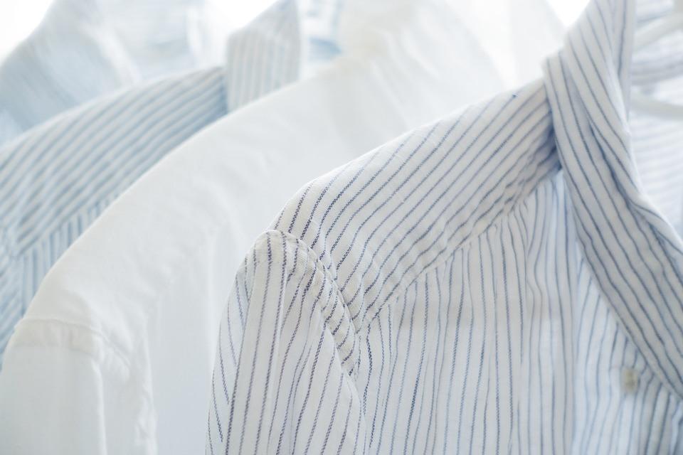 Fettfleck aus Kleidung beseitigen